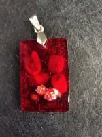 Оргонит медальон за привличане на късмет и страст с корал