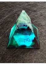 Оргонит пирамида за защита с назар - синьо око размер S