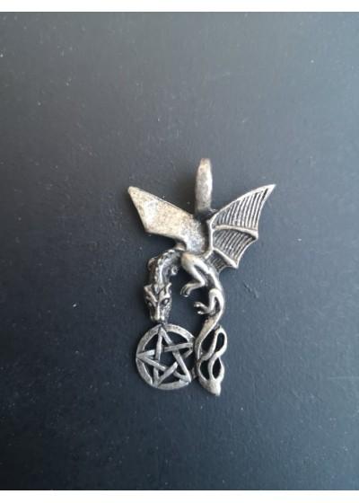 Медальон - Дракон на силата и Пентакъл за защита и магия