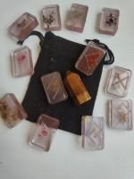 Комплект за гадаене с Руните на Один - оргонити с билки и минерали